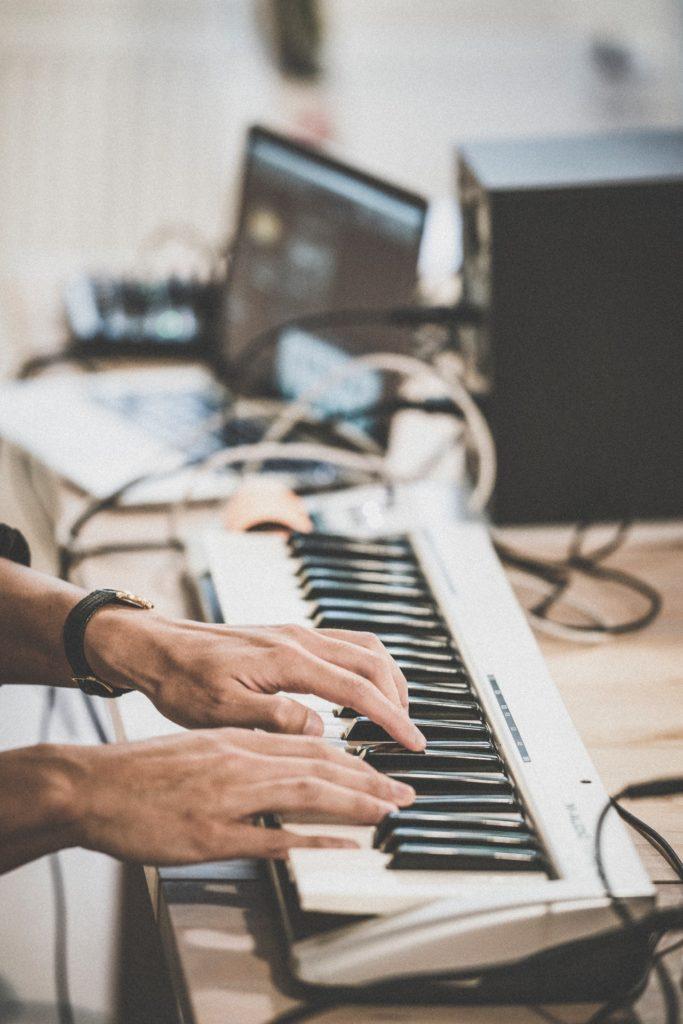 音楽の収益化にはどんな方法があるか