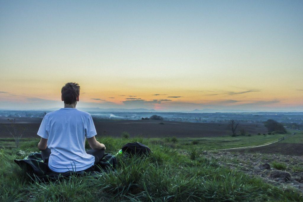 感情を制御できるようになるから瞑想も身につけるのがおすすめ