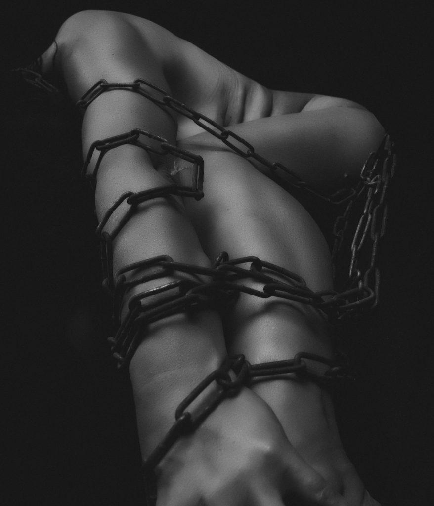 あなたは自分の呪縛に縛られますか?