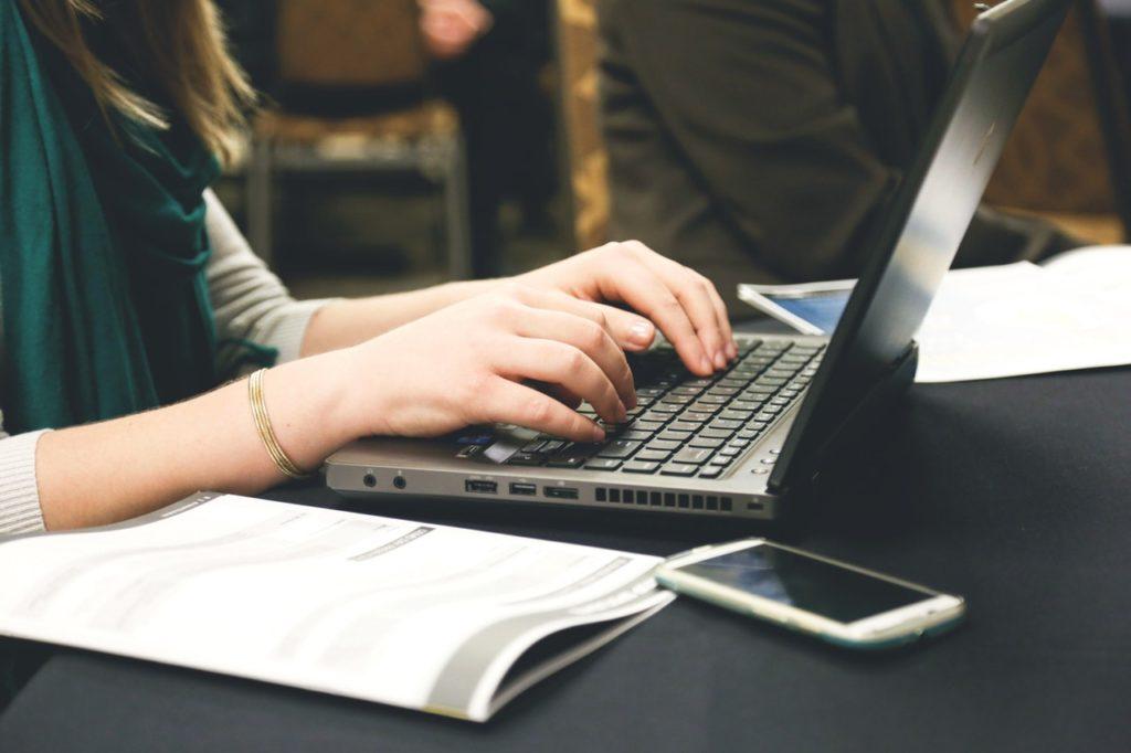 ブログ書くと資産が得られる【お金だけではない】