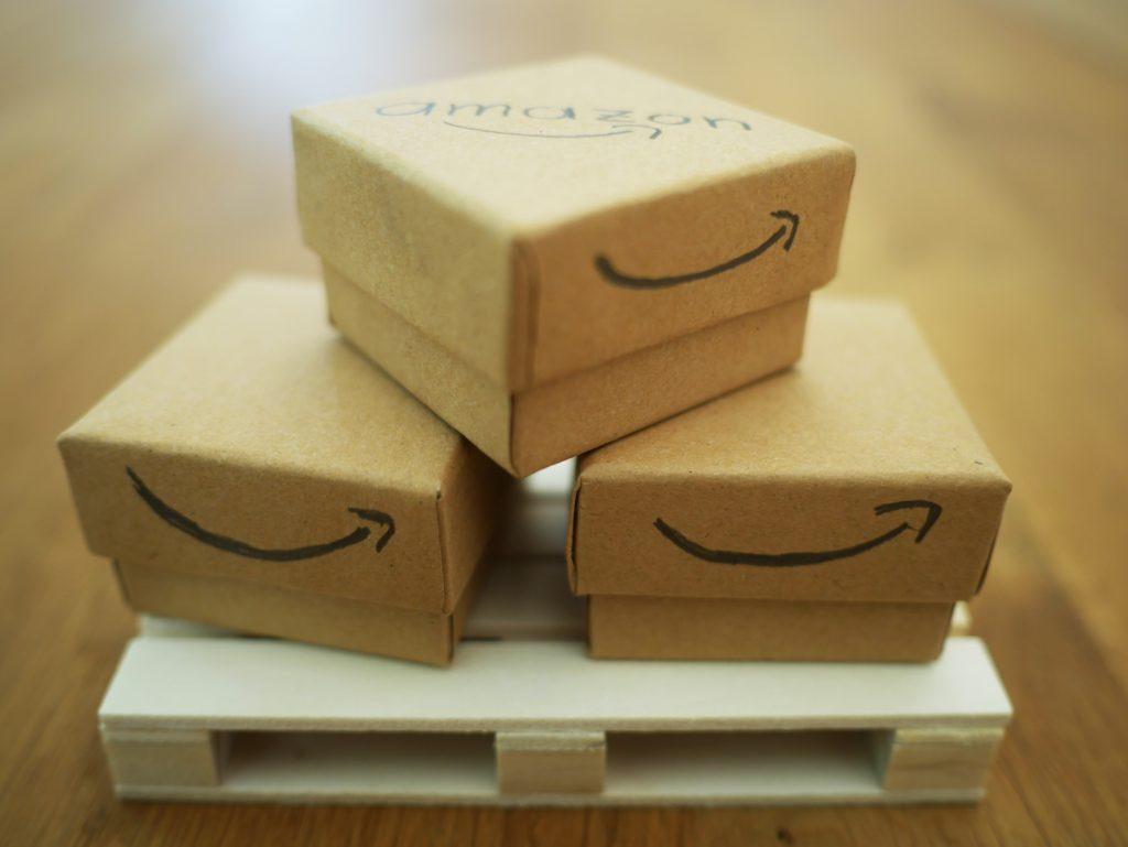 【副業せどり】AmazonFBAをコンビニで送る方法と安く発送するには?