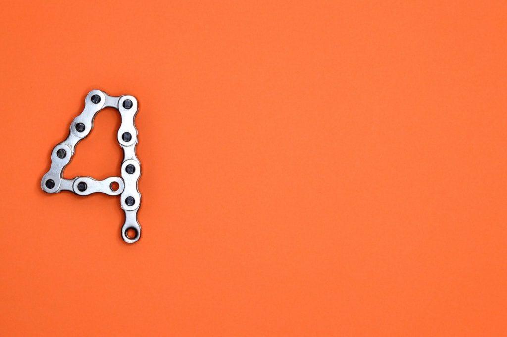 ブログのキーワードは4種類に分けられ、パレートの法則が支配する。