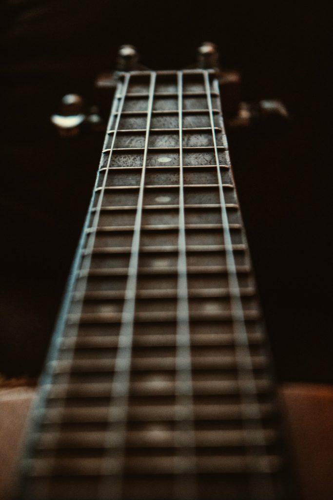ギターコードがわかる無料おすすめサイト3選【初心者は絶対ブクマすべき理由も解説】