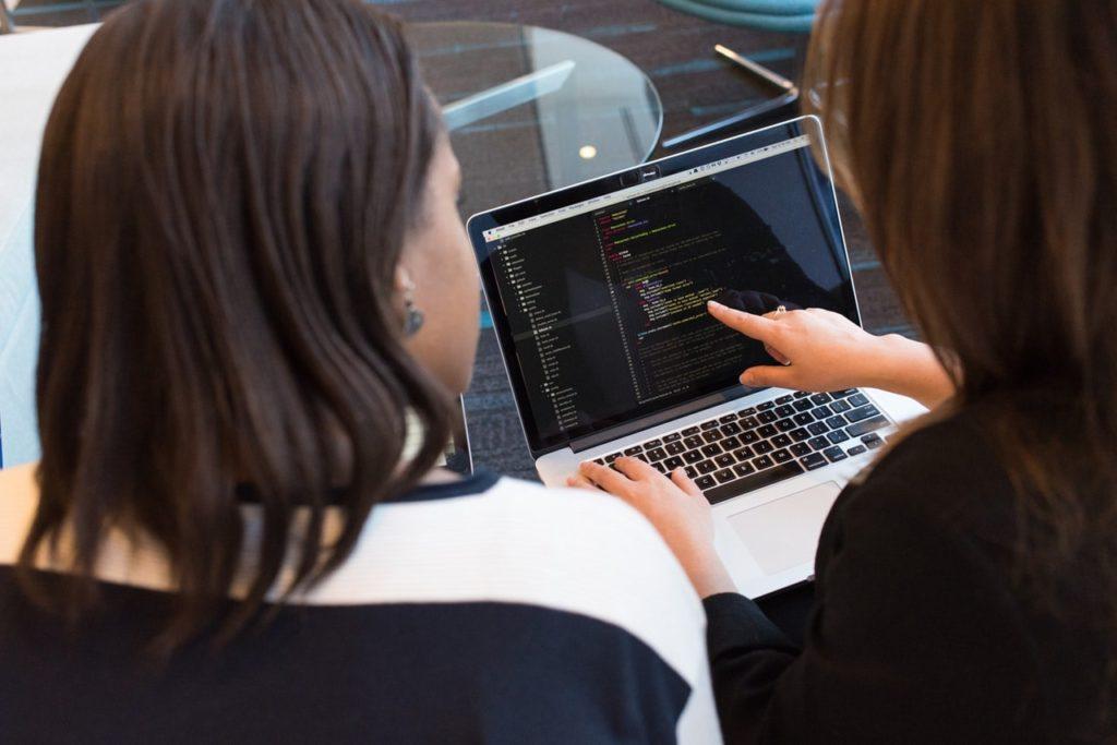プログラミング初心者は絶対プログラミング教室通うべき話【独学は人生を無駄にする】